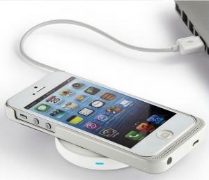 Diverse Qi items voor draadloos opladen van telefoon